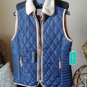 Girl's quilted vest.